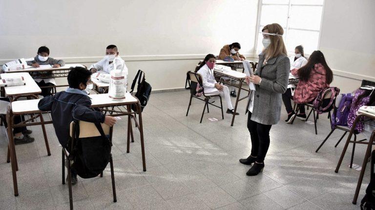 Ratifican la continuidad de las clases presenciales